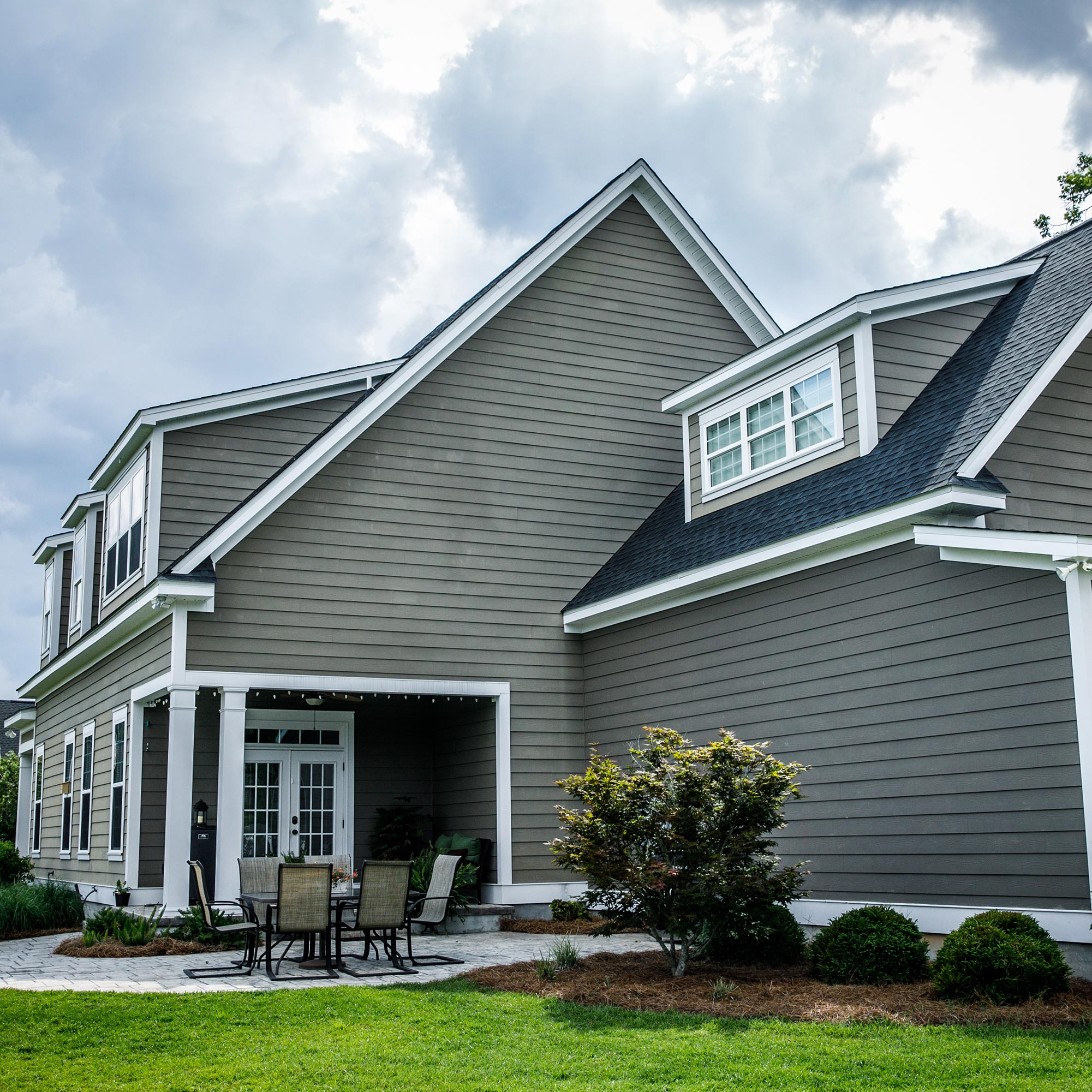 siding replacement by siding contractors in Highland Park